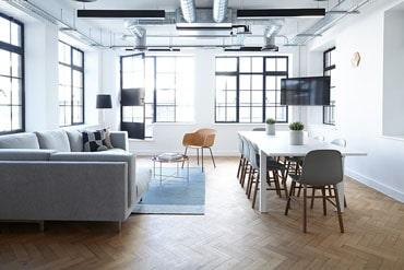 Sprzątanie pomieszczeń i biur